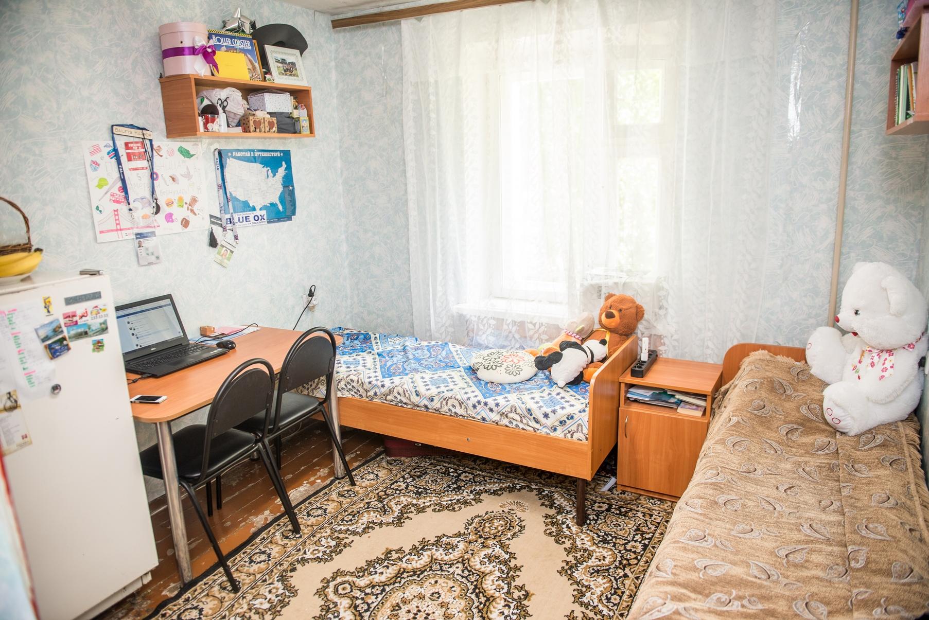russkaya-stud-obshaga-foto-golie-molodie-popki